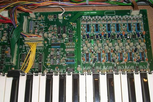 Old Crow's Synth Shop: Inspecting the Korg Polysix